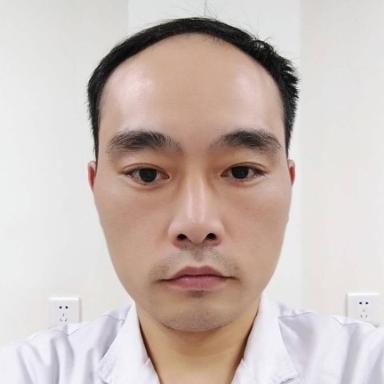 雷麸尔副主任医师